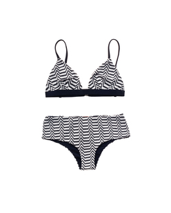 MISSONI Zig Zag Black and White