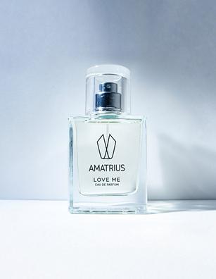 Amatrius Love Me