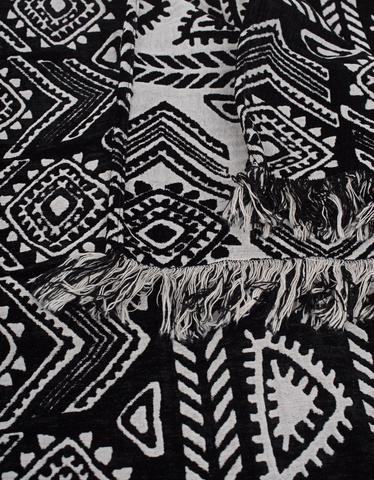 devotion-d-sofacover-_1_blackwhite