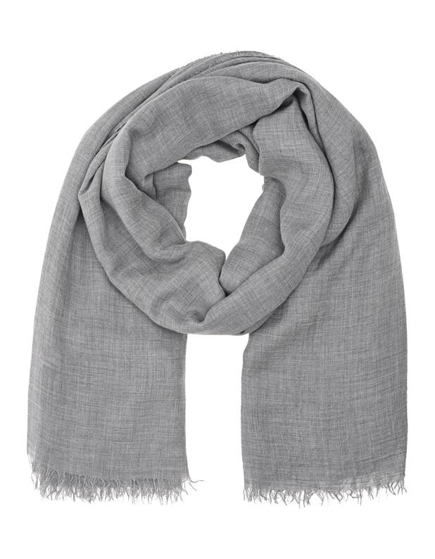 Artikel klicken und genauer betrachten! - Modal-Kaschmir-Schal Der edle graue Schal mit feinen Fransen ist aus weichem Modal-Kaschmir-Gemisch gefertigt.  Der zeitlose Schal ist ein Must-Have für jeden Kleiderschrank und für echte Fashion-Fans, die das gewisse Etwas lieben! | im Online Shop kaufen