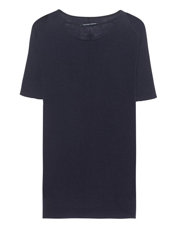 Artikel klicken und genauer betrachten! - Feinstrick-T-Shirt Dunkelblaues gerade geschnittenes Feinstrick-T-Shirt aus einem luxuriösen Baumwoll-Kaschmir-Gemisch mit Rundhalsausschnitt, kurzen Raglan-Ärmeln und offenen Säumen.  Zeitloser Klassiker mit dem gewissen Etwas! | im Online Shop kaufen